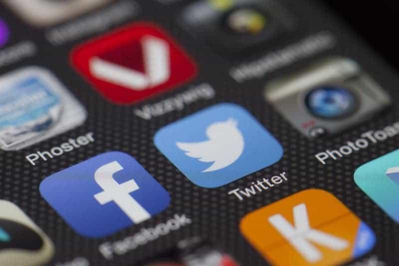 downsizing-social-media